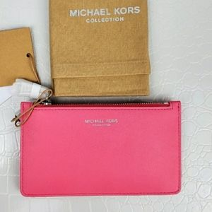 💥NEW SALE💥 NEW Michael Kors Calf Leather Wallet